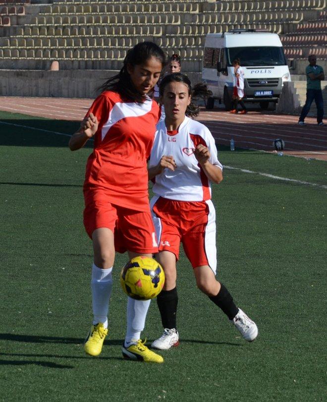 genc-kizlar-turkiye-futbol