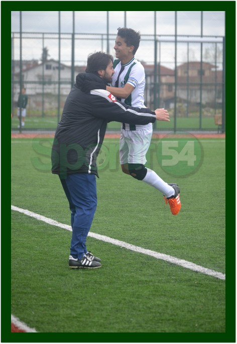 Yunus Emre gol sevinci U-14